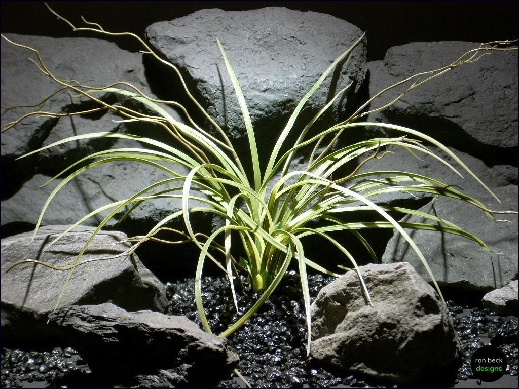 plastic aquarium plants: mad grass