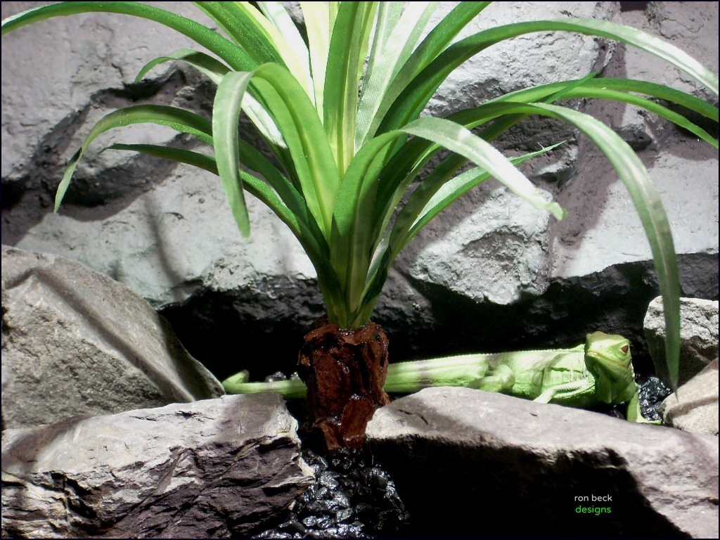 silk reptile plants spider plant trunk srp064 silk ron beck designs upclose