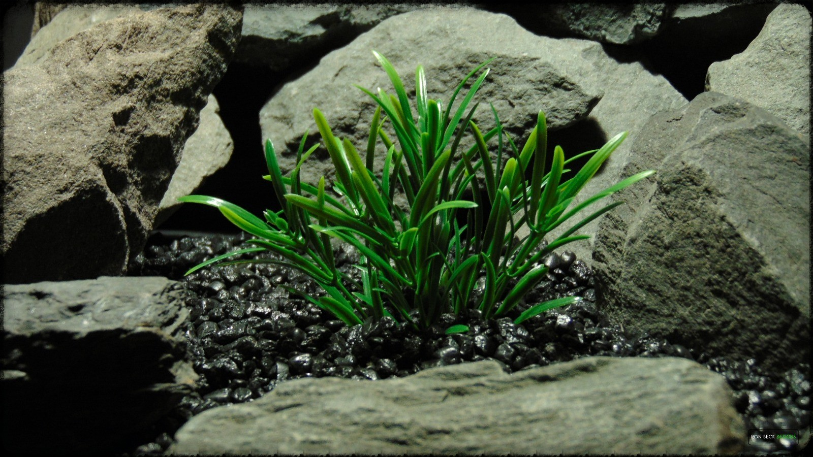 Artificial Green Matai - Artificial Aquarium Plant - parp371 2
