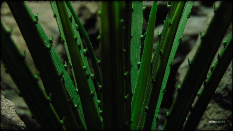 Artificial Saw Blade Grass - Artificial Aquarium Plant Reptile Habitat Plant - PARP390 3